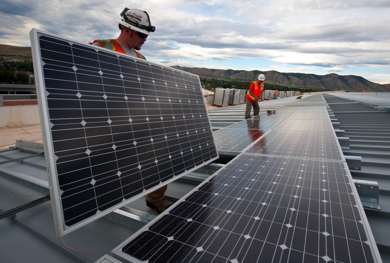 Solar-panel-installation-in-San-Bernardino